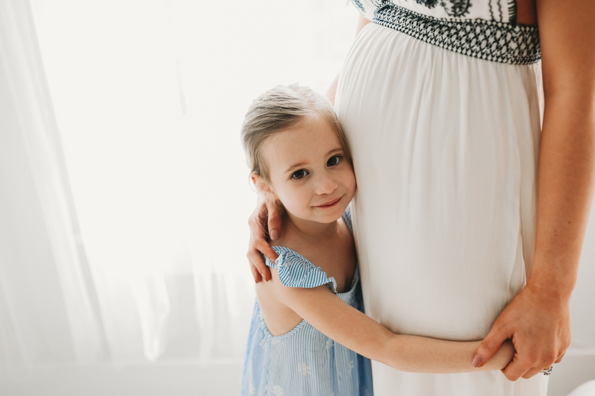 cleveland maternity photographer